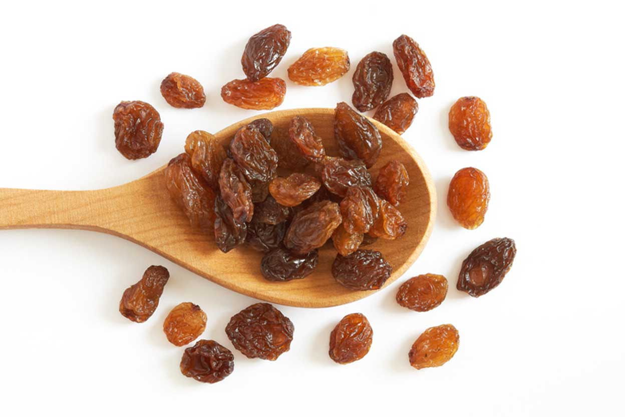 raisins in spoon